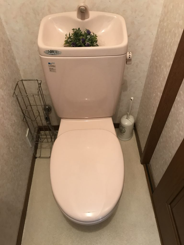 下田市でトイレタンク内の水漏れ修理をしました。