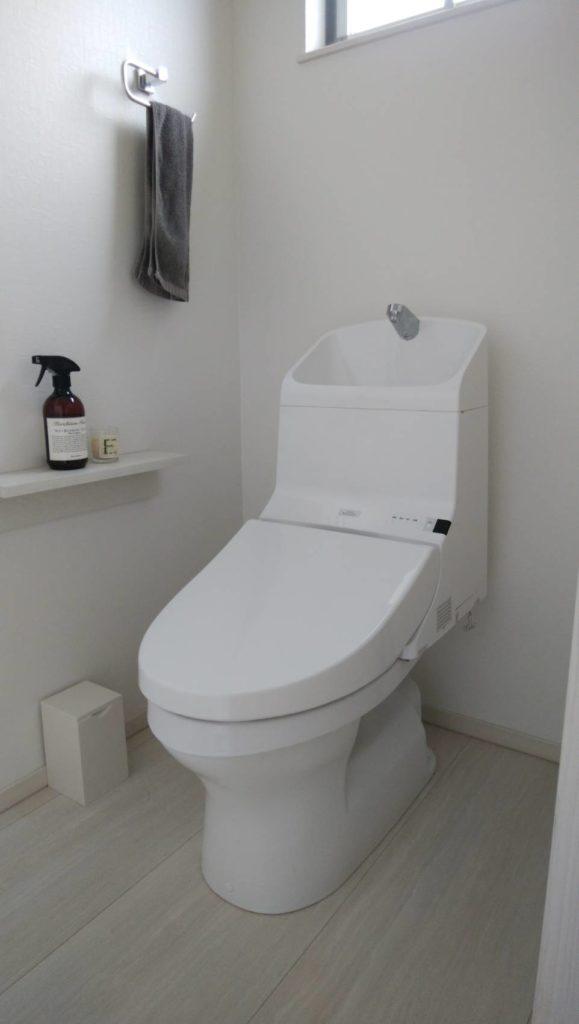 浜松市東区でトイレタンクの水が止まらない修理をしました。