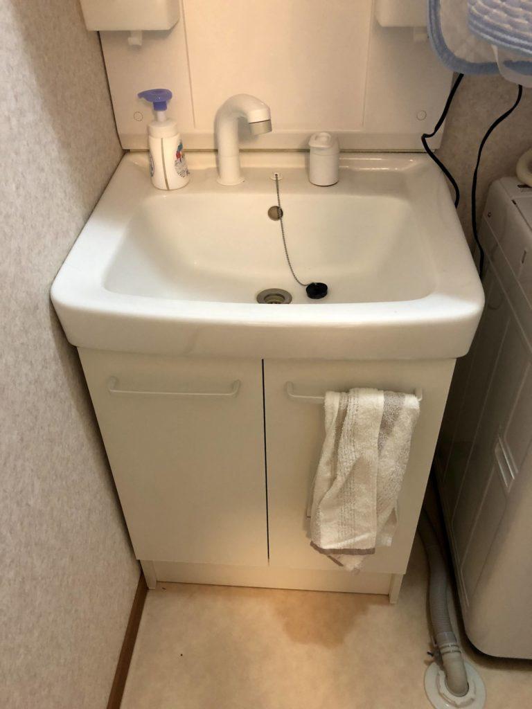洗面の収納から水漏れ